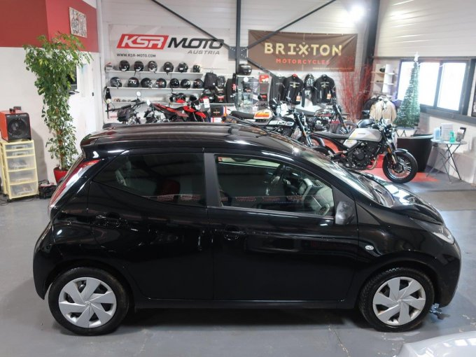 TOYOTA AYGO 1.0 VVT-I X-SHIFT X-PLAY 5P